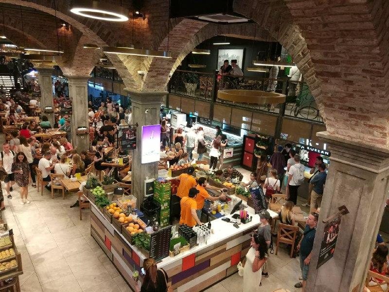 Московский центральный рынок внутри