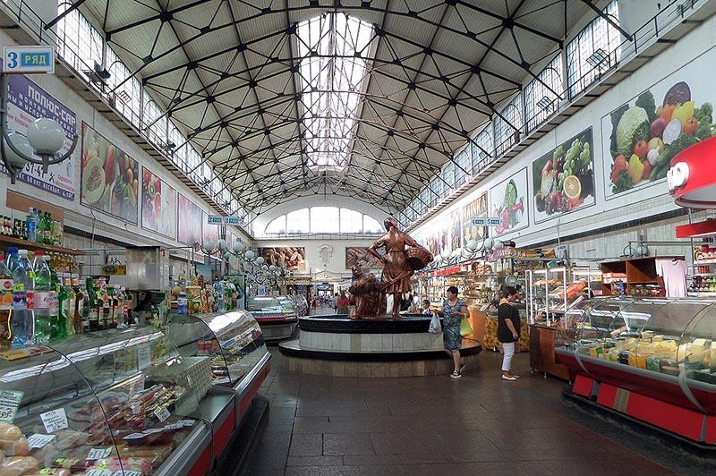 Центральный рынок в Саратове внутри