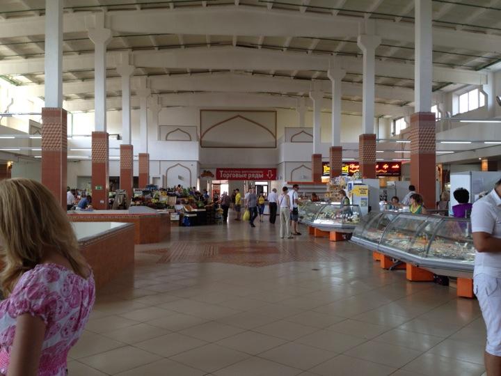 Центральный рынок в Челябинске внутри