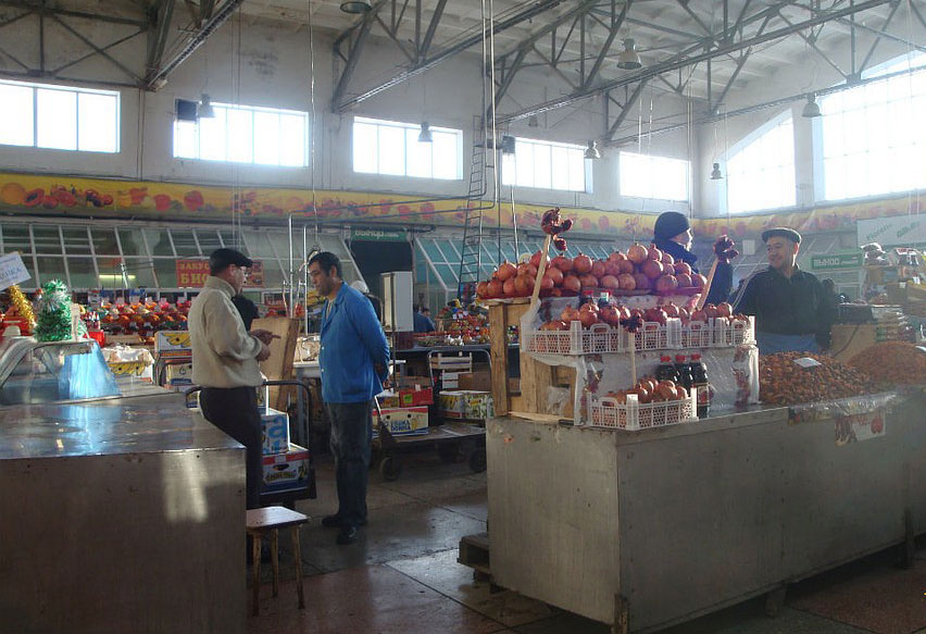 Центральный рынок в Кирове внутри